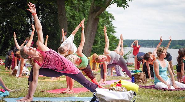 1. Yoga-Tag Berlin am 16. Juli